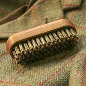 T&H Clothes Brush on Tweed (small file)